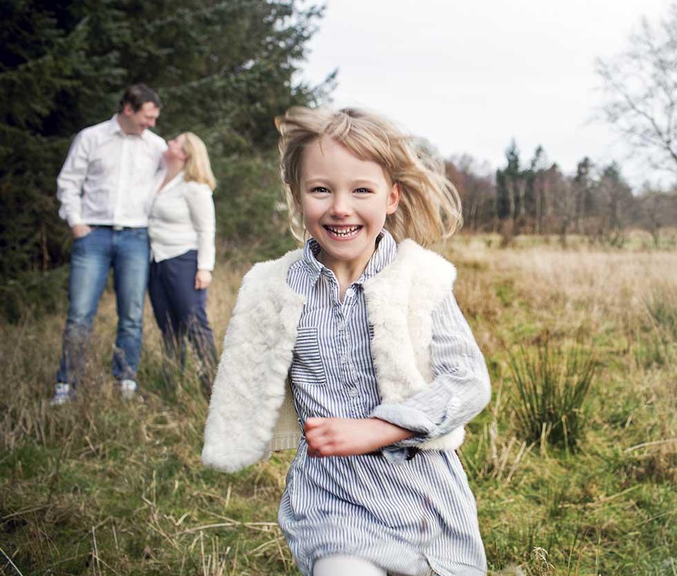 Familie Fotograf i Kolding. Familiefotografeirng. Flotte Familiebilleder. Fotograf i esbjerg