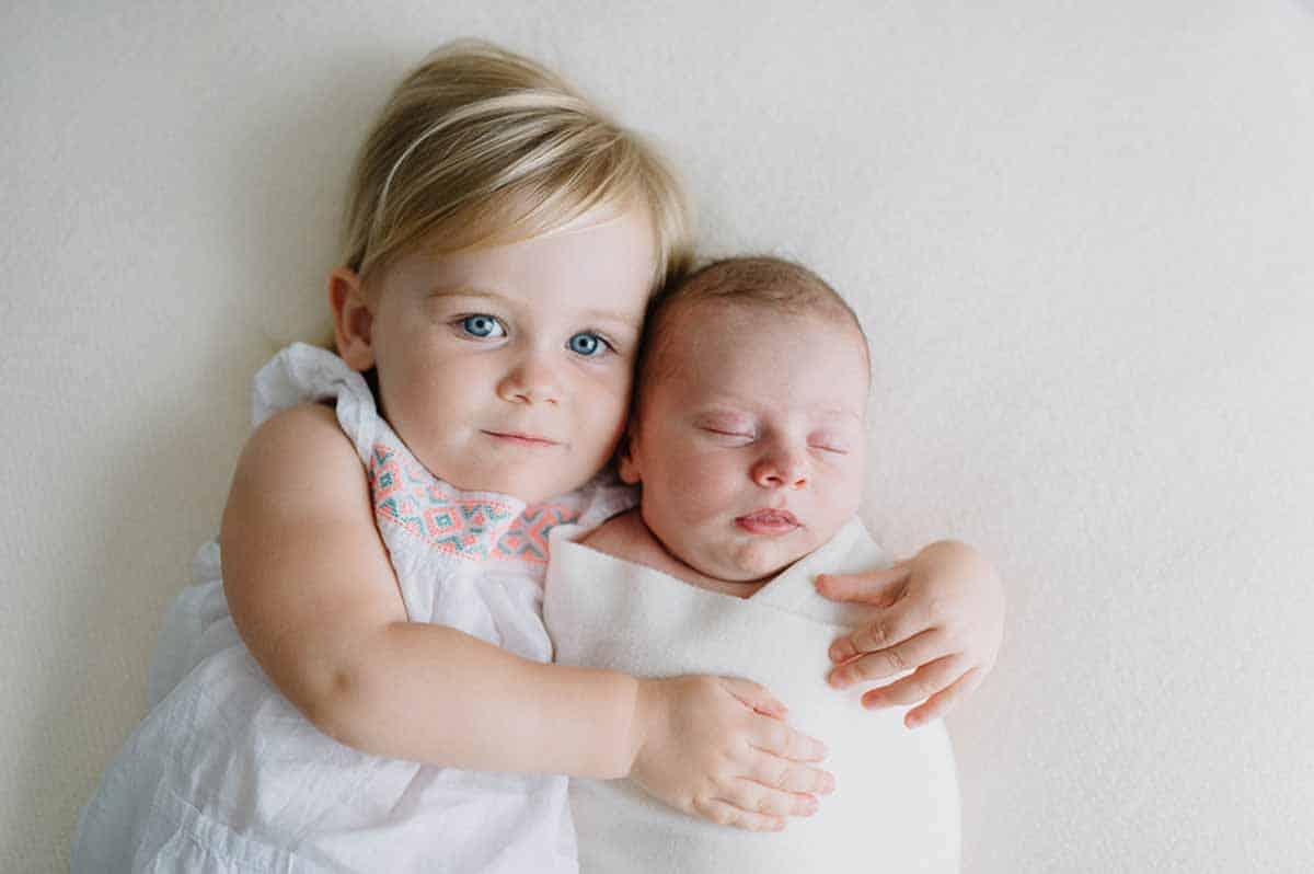 søster med newborn foto i Esbjerg
